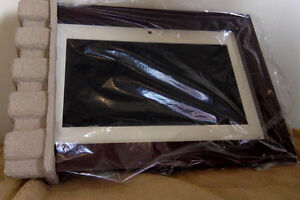 Coby 14inch digital photo frame model# 1452