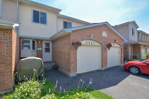 Stunning Fully Renovated Townhome in Orleans- Close to Transit