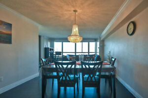 Bright & Spacious 2 Bed Apartment With 1 Full Washroom