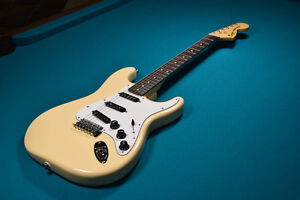 Squier Vintage Modified Stratocaster '70s - Rosewood- Vintage Wh