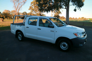 Factory equipped Workmate. 09 Hilux lots of extras