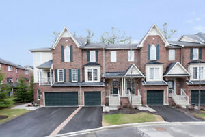 3 Bedroom town house in Richmond Hill with finished basement