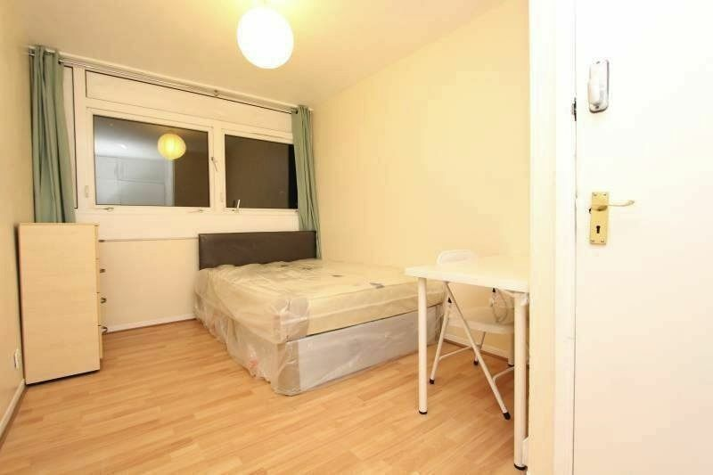 GREAT OFFER!! DOUBLE ROOM SUITABLE ALSO FOR COUPLE IN CROSSHARBOUR