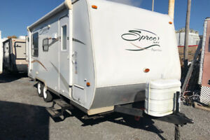 2008 spree travel trailer sleeps 8 with bunks $8,500