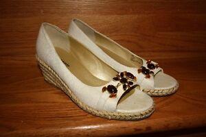 Nygard Sandals Ladies Size 8