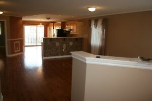 State-Of-The-Art Bungalow for rent - Barrie South East End