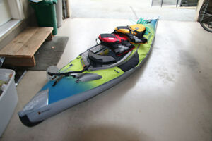 2 West Marine Inflable Kayaks