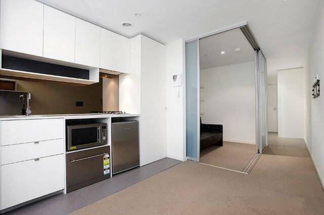 CBD Fully furnished apartment for rent, lease transfer ...