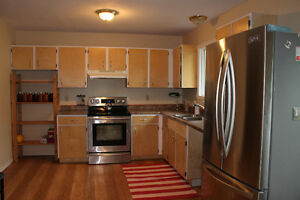 Large 5 bedrooms house for rent in Ponoka