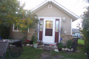 Modern 3bed/2bath cozy home with modern appeal and a fenced yard