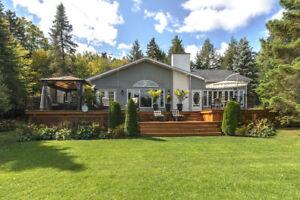 Maison de campagne -bord de lac en Estrie- à vendre