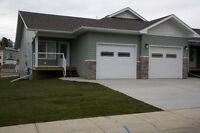 For Rent-Townhouse in Innisfail-4 bedrooms DECEMBER FREE!