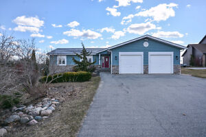 SOLD! - Stunning Country Bungalow - 4 Barbour Dr. Hillsburgh
