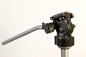 Manfrotto 136 fluid head with camera plate great for video