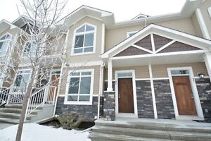 *SKYVIEW RANCH TOWNHOUSE 2 STRY 3 BEDROOM DOUBLE GARAGE*