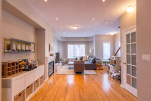 STUNNING 2000 ft2 3.5 Bed 3.5 Bath Townhouse in Leslieville