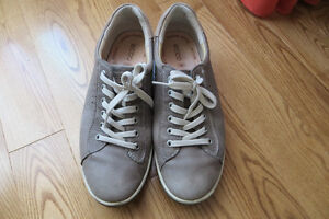 Ecco Grey Leather Sneakers Size 9.5