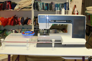Pfaff Creative Vision Sewing/Embroidery Machine