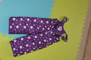 Girls snow pants size 3T in excellent condition