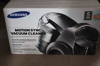 Brand New Samsung Motion Sync Canister Vacuum **Retails 599.99
