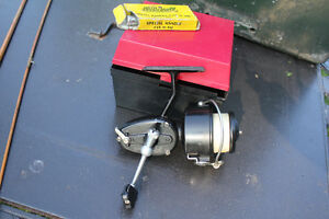 VINTAGE MITCHELL 301 FISHING REEL