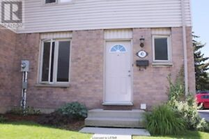 Hyde Park Newer 3 BR TownHouse for Professional Working Family!