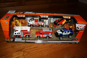 Toys - Road Rippers Rush & Rescue emergency Vehicle Set- $30