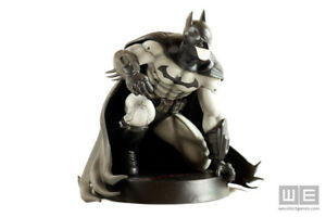 BATMAN: ARKHAM CITY COLLECTOR'S EDITION XBOX 360 W/ STATUE