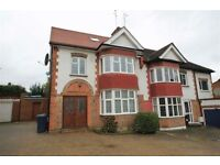 5 bedroom house in Singleton Scarp, WOODSIDE PARK, N12