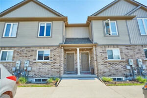 BRAND NEW NIAGARA FALLS TOWNHOUSE FOR RENT ( IMMEDIATELY)