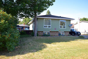 Ready to Move in 3 Bedroom Bungalow!