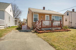 10 Albro Lake Road, Dartmouth - Just Listed $147,900 Great Value