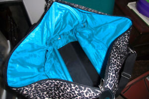 LEOPARD STYLE TRAVEL CASE WITH WHEEL PULL ALONG