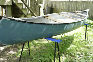 16 foot Cumberland fiberglass canoe for sale
