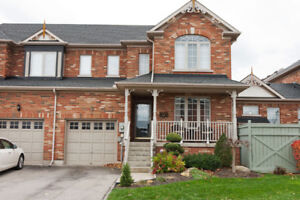 Niagara On The Green Home for Sale