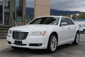 2011 Chrysler 300 Limited   - Uconnect -  Navigation - Sunroof -