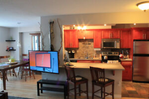 ROOMATE WANTED- 3rd Bedroom in Modern Condo *ALL INCLUSIVE*
