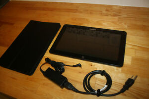 Samsung Ativ Smart Tablet PC (XE700T1C-A04US)