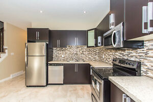 Luxury 3 bdrm, 2.5 bath townhouse  close to downtown ( Mar 1st)