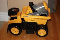 Caterpillar Mega Bloks Dump Truck Ride On Toy