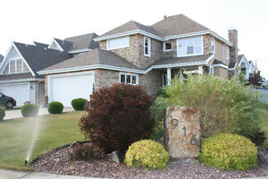 AMAZING Lake Summerside Executive Home w/3681 sqft living space