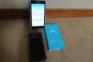 SAMSUNG GALAXY A5,LIKE NEW,WITH HARD CASE AND BOX TOO