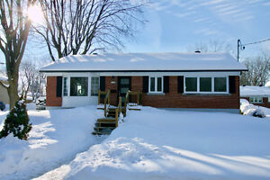 Open House - Sunday - 19 Feb. - 2-4 pm - 600 Thorncrest, Dorval