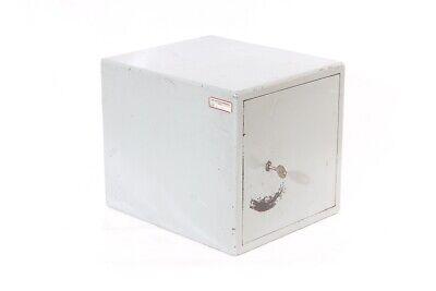 Alter Metall Cupboard Workshop Tool Cabinet Safe Locker Industry Design Safe