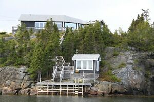 Executive Bungalow, by the sea, Happy Adventure (Eastport Pen)