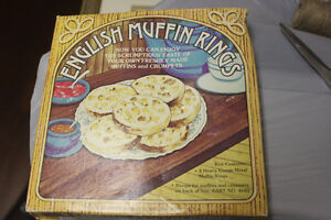 New English Muffin Tin Baking Molds or Poached Eggs