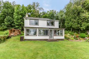 Waterfront country home  located in Weir (Montcalm ) Quebec