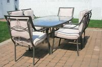 Ensemble de Patio Brun (1 table et 6 chaises)