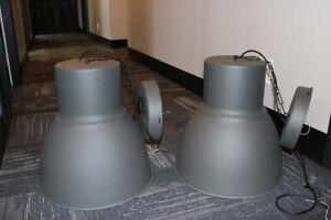 2 lampes suspendues en métal couleur carbone