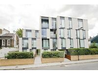 2 bedroom flat in Oval Road, Regents Park NW1